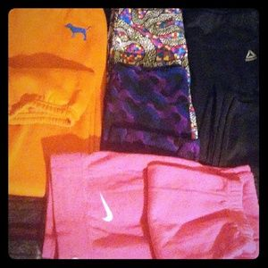 5 Pairs of womens athletic/yoga pants